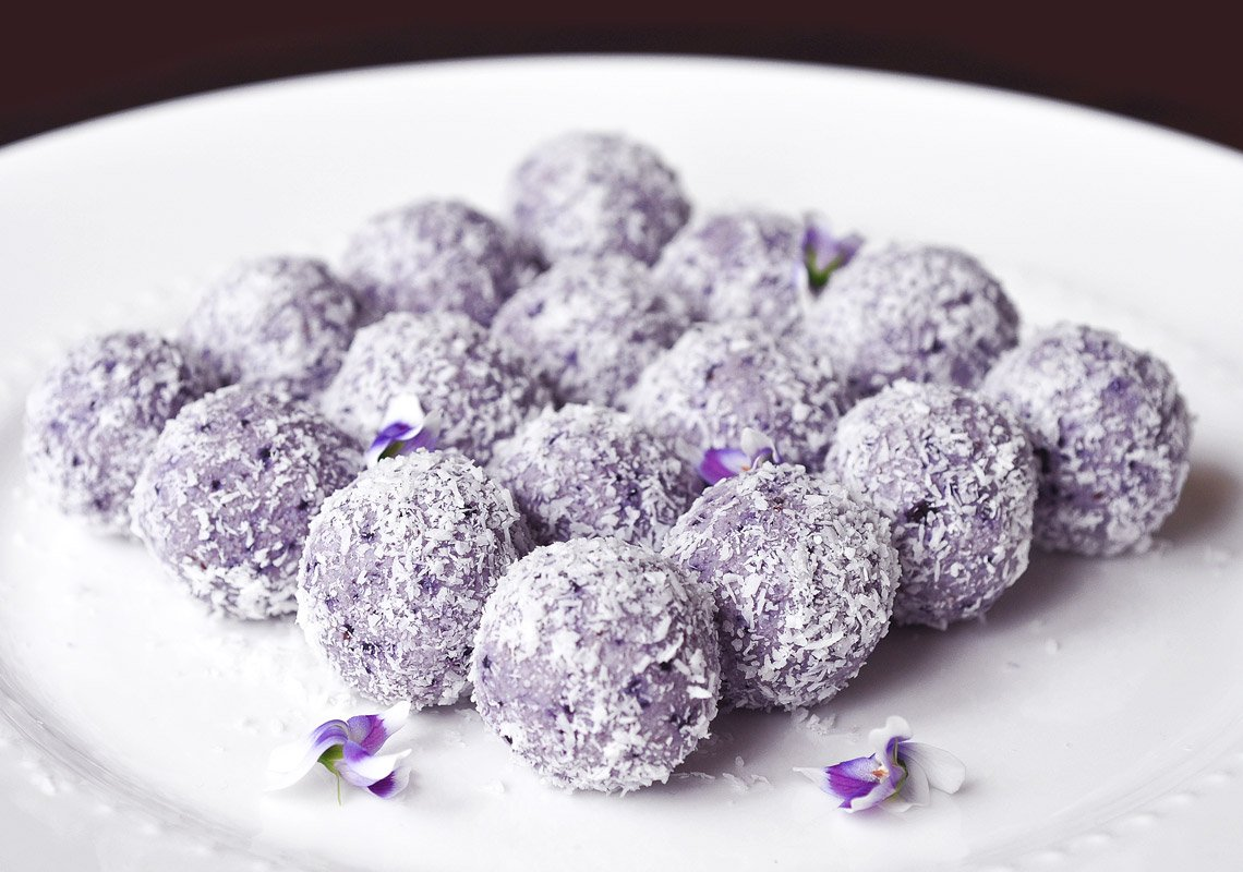 WOW! these beautiful, delicious healthy, low carb blueberry cheesecake bliss balls will wow everyone. So super simple to make, one step in the blender and you're done! Keto, banting, LCHF friendly, sugar free, gluten free, grain free, nut free!